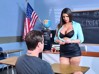 Cock lover teacher Brooklyn Chase mesmerized her student Jessy with her sexy curves