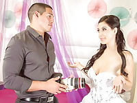 Noelle Easton is getting married and her ex boyfriend is her photographer. It's a little ...