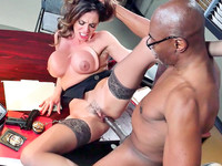 Black fellow Sean Michaels shows Ariella Ferrera the rough side of his cock