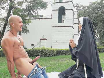 Naughty nun Yudi Pineda has sex with strong gardener forgetting about all rules