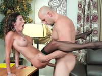 Big tits office worker Dava Foxx made her client's big cock fully satisfied