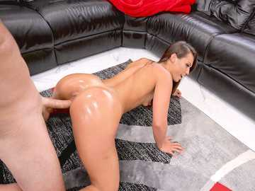 Big-assed goddess Kelsi Monroe begs horny guy to stick cock deep into her pussy