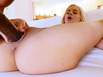 Elsa Jean: Falling In Love, One Inch At A Time