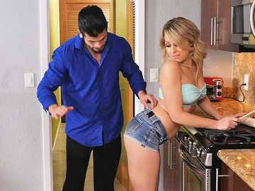 Zoey Monroe in I Have a Wife
